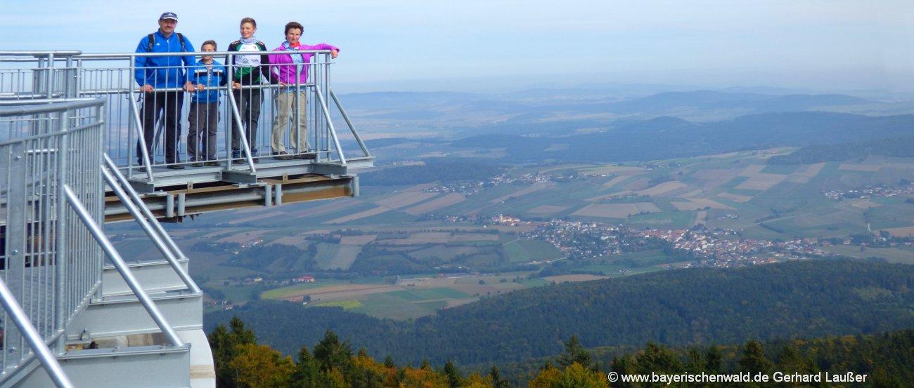 Sehenswürdigkeiten Bayerischer Wald Attraktionen und Highlights wie die Aussichtsplattform Skywalk