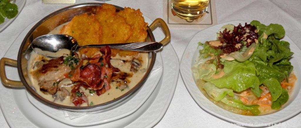 Abendessen im Bayerischer Wald Gasthof mit Halbpension