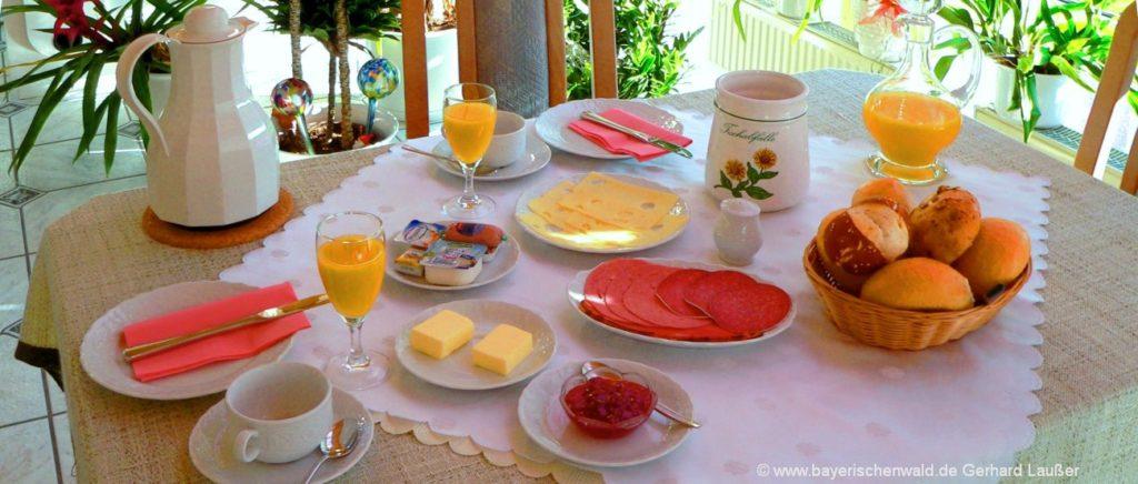 Bayerischer Wald Pension Übernachtung und Zimmer mit Frühstück